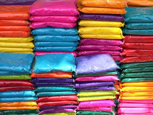 Usare polvere di colore Holi Colors in buste da 80-100 grammi o usare polvere Holi Colors sfuso da 10Kg ?
