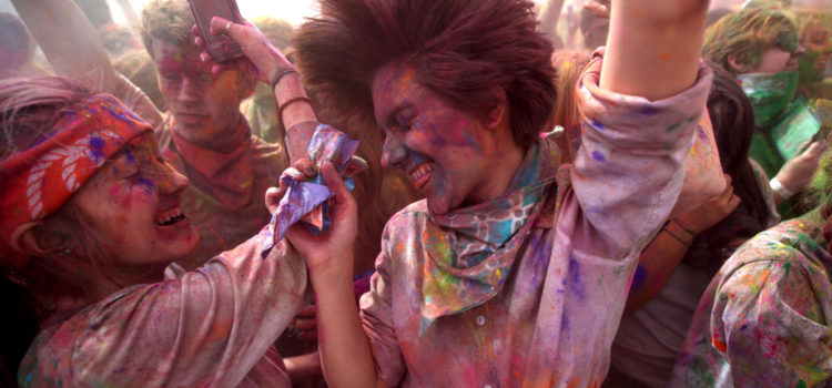 Come scegliere Holi Colors sicuri e certificati per il tuo evento holi festival, color party, color run e fluo party